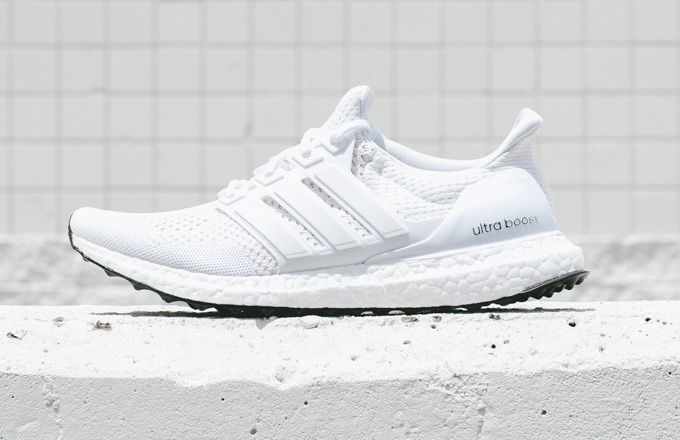 adidas-ultra-boost-all-white_copy_i7flbt